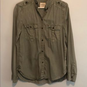 American Eagle Boyfriend Fit Button Up Long Sleeve